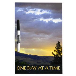 Ein Tagesauf einmal Juli-Himmel Memoboard