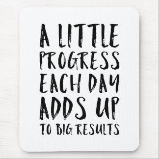 Ein weniges Fortschritts-motivierend Zitat Mauspad