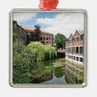 Eine Ansicht des Flusses Foss in York Quadratisches Silberfarbenes Ornament