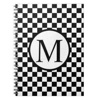 Einfaches Monogramm mit schwarzem Schachbrett Spiral Notizblock