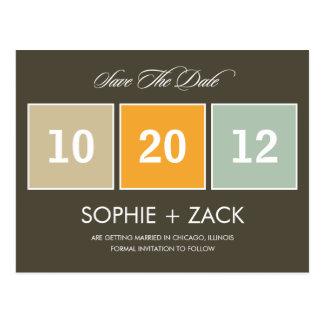 Eingepackte Kalender-Save the Date Postkarte (grau