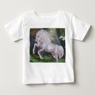 Einhorn-Wald spielt Cristal Blau die Hauptrolle Baby T-shirt