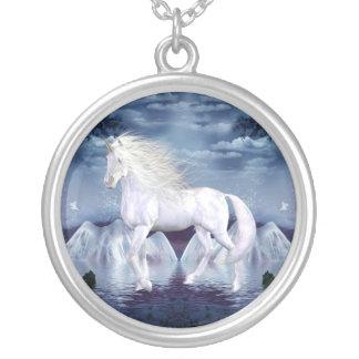 Einhorn-weiße Schönheits-Halskette Halskette Mit Rundem Anhänger