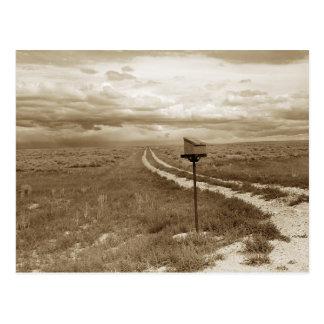 Einsamer Briefkasten in Wyoming Postkarte