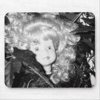 Einsamer Puppen-Kopf Mauspads
