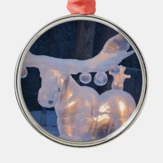 Eis-Skulptur-Schnee gefrorener Winter würzt Wetter Rundes Silberfarbenes Ornament
