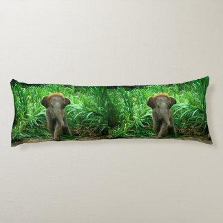 Elefant und Gras Seitenschläferkissen