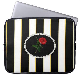 Elegante schwarze Streifen-Hülse mit Roter Rose Laptop Sleeve