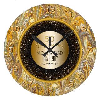 Eleganter Hochzeits-Jahrestag des Gold50. Große Wanduhr