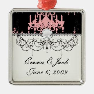 eleganter rosa Leuchterdamast auf Schwarzem Silbernes Ornament