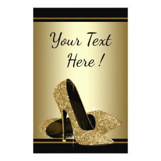 Eleganter schwarzer Goldhohe Fersen-Schuh-Flyer Flyer