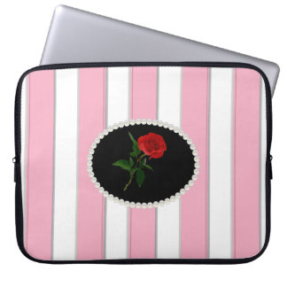 Elegantes Rosa Stripes Laptop-Hülse mit Roter Rose Laptopschutzhülle