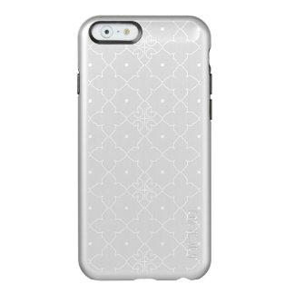 Elegantes weißes Quatrefoil Muster Incipio Feather® Shine iPhone 6 Hülle