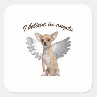 Engels-Chihuahua Quadratischer Aufkleber