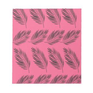 Entwurfs-exotisches Blätter auf Rosa Notizblock