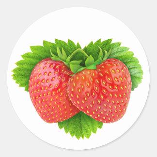Erdbeeren auf einem Blatt Runder Aufkleber
