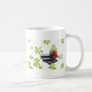 Erdbeeren Schoko Waldmeister Stillleben Tasse
