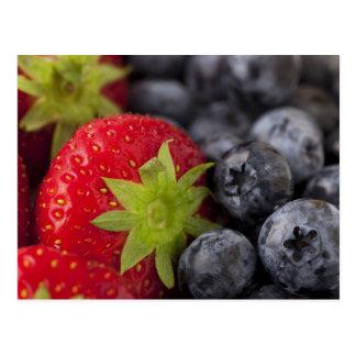 Erdbeeren und Blaubeeren Postkarten
