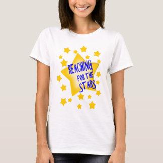 Erreichen für den Stern-T - Shirt