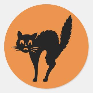 Erschrockene schwarze Katzen-Halloween-Aufkleber Runder Aufkleber