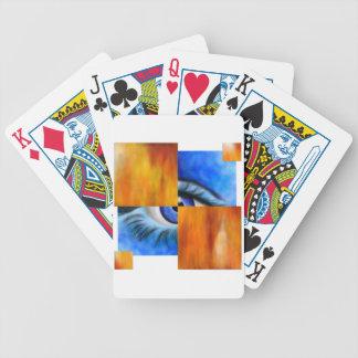 Ersebiossa V1 - verstecktes Auge außen hinter Pokerkarten