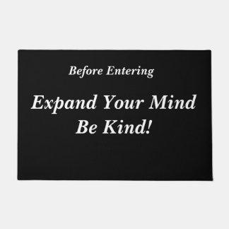 Erweitern Sie Ihren Verstand ist nett! Fußmatte Türmatte