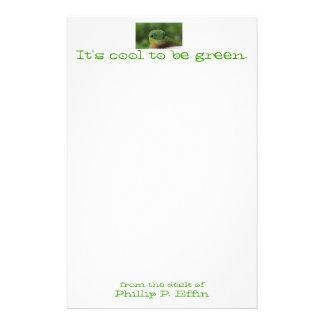 Es ist cool, grünes Briefpapier zu sein