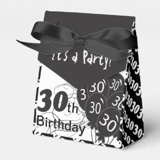 Es ist ein 30. Geburtstags-Party Geschenkschachteln