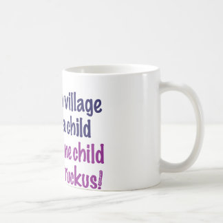 Es nimmt ein Dorf… Tasse