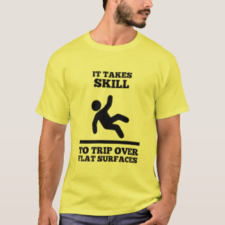 Es nimmt Fähigkeit zur Reise über flachen T-Shirt