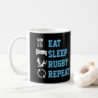 Essen Sie Schlaf-Rugby-Wiederholungs-lustigen Kaffeetasse