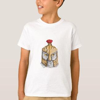 Eule, die spartanische Sturzhelm-Tätowierung trägt T-Shirt