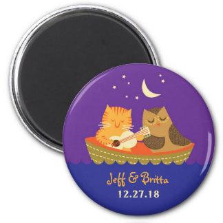 Euleu. Pussycatstorybook-Hochzeit (lila und blau) Runder Magnet 5,1 Cm