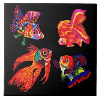 Extravagante tropische Fische entwerfen dekorative Fliese