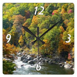 Fall-Farbe am Ohiopyle Staats-Park Quadratische Wanduhr