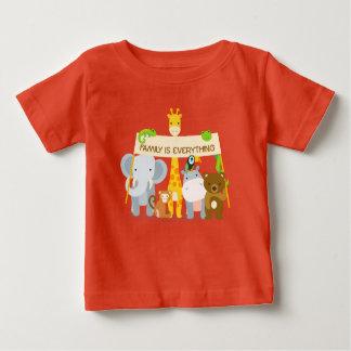 Familie ist alles Baby-feiner Jersey-T - Shirt