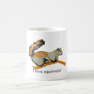 Farbige Skizze eines grauen Eichhörnchens Kaffeetasse