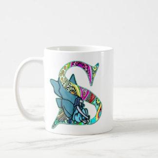 Feenhafter Buchstabe S mit personalisiertem Namen Kaffeetasse
