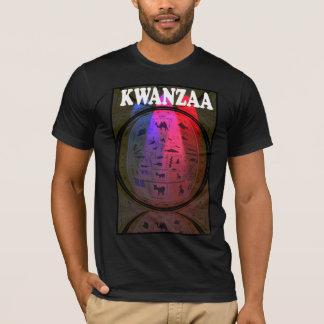 Feiern Sie Kwanzaa, geschnitzte Tiere T-Shirt