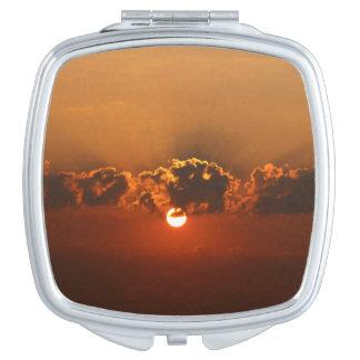 Feiertags-Sonnenuntergang Taschenspiegel