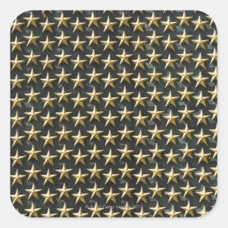 Feld der Goldsterne am Weltkrieg-Denkmal Quadrataufkleber