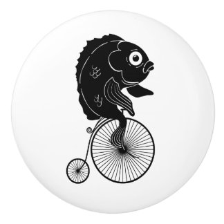 Fische, die ein Fahrrad reiten Keramikknauf