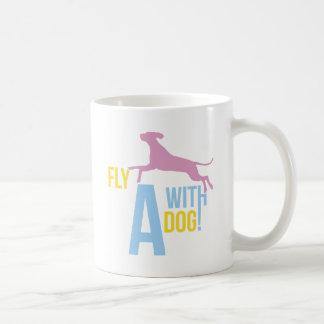 Fliege mit einem Hund Tasse