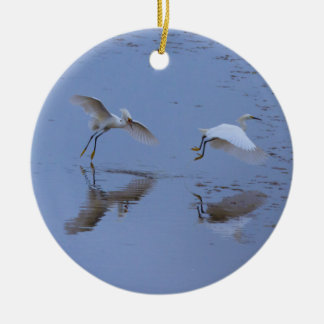 Fliegensnowy-Reiher-Reiher über Wasser Keramik Ornament