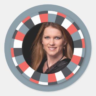 Flippiger Kreisrahmen - grau und Rot auf Grau Runde Sticker