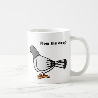 Flog den Korb-grauen Tauben-Cartoon Tasse