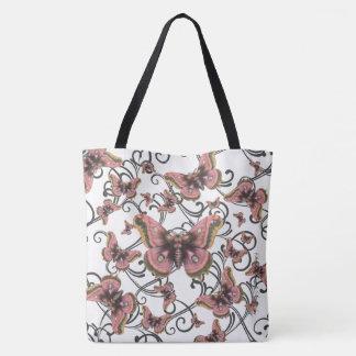 Flug der rosa Schmetterlings-großen Tasche