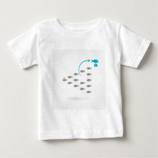 Flug von fishes4 baby t-shirt