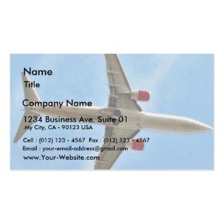 Flugzeug auf Himmel-nahem hohem Visitenkartenvorlage