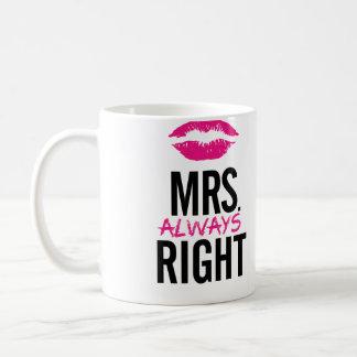 Frau immer rechte LippenTasse Tee Tassen